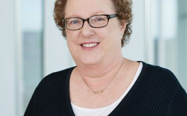 Kay Larholt